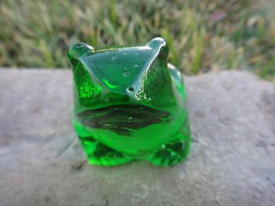 Adorable Solid Green Glass Frog Figurine