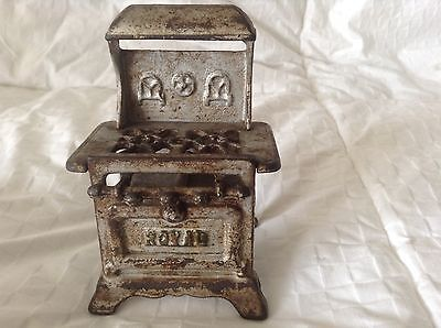 """ROYAL Miniature Cast Iron Stove Traveling Salesman Display / Child's Toy 4 1/2""""T"""