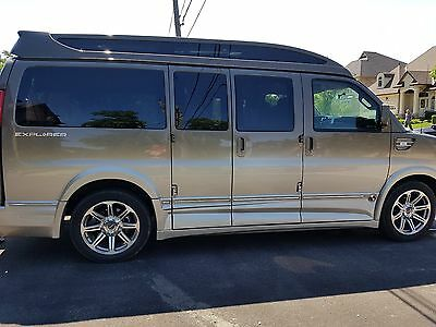 GMC: Savana 2016 Explorer Conversion Van 2016 GMC Savana 2500 Explorer Conversion Van