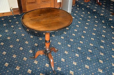 Victorian Centre Pillar Snap Top Wine Table