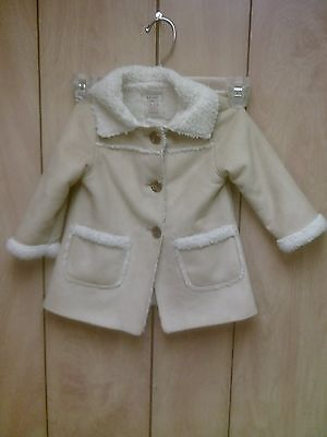 Old Navy lined toddlers coat, 18-24 months, very cute tan with white trim!