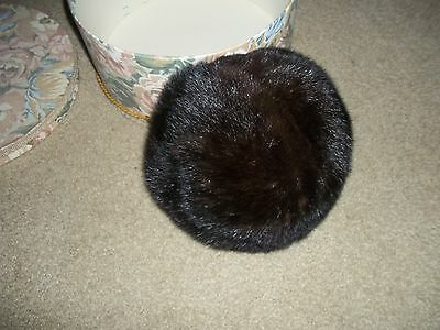 Vintage Genuine Mink Pill Box Hat. Lovely Well Preserved With Hat Box