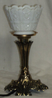 """L G Wright Daisy and Cube Milk Glass 71/2"""" """" Mini Electric Lamp Whimsey"""