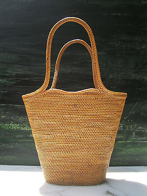 Vintage Expertly Woven Nantucket Style Handled Wicker Basket Purse