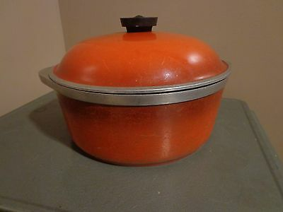 Vintage CLUB Large Red Aluminum Round Dutch Oven Pot With Lid Stock Pot Roaster