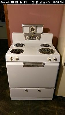 VINTAGE FRIGIDAIRE FLAIR RANGE STOVE IMPERIAL OVEN 1960's