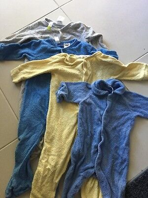 4 Baby Bodysuits Size 1 And 0