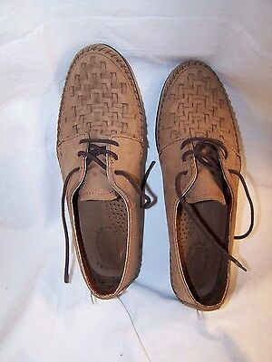 Women's shoes, Dexter, size 7 Medium. Slightly used. Tan Leather. USA.