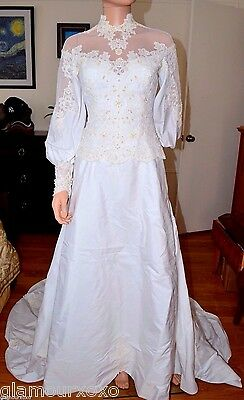 Vintage 1960 White Beaded Lace Wedding Gown Dress X-Small XS Small S Train