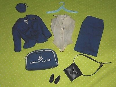 Vintage BARBIE * AMERICAN AIRLINES STEWARDESS #984 * NEAR COMPLETE OUTFIT