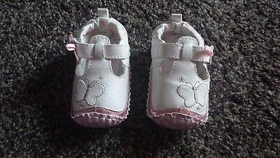 Matalan white butterfly pram shoes 6-9 months good cond