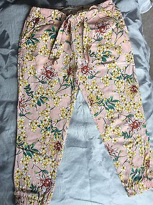 Stunning Zara Girls Flowery Soft Summer Trousers (age5-6) Excellent Condition