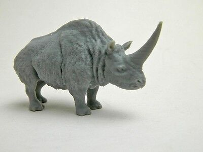 Elasmotherium 1/48 scale plastic model in gray plastic Super rare!!
