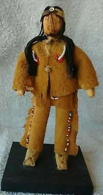 Vintage Iroquois Corn Husk Carrying Doll With Apple Face