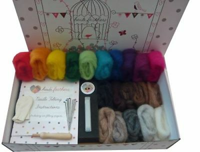 Heidifeathers® Needle Felting Kit - 'Carded Sliver Wool' Handle, Finger Guards..