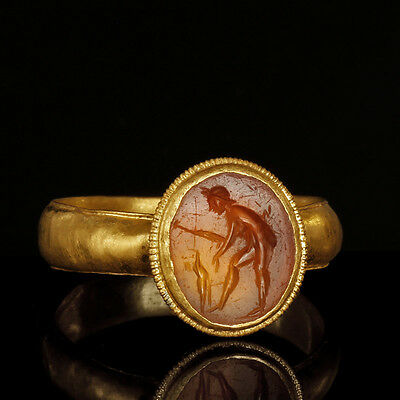 Roman Gold Ring with Naked Hunter Intaglio