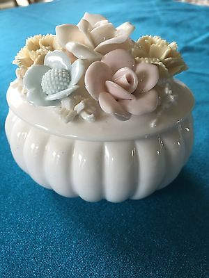 "Small Victorian Porcelain Oval Box. Roses Lid. Excellent Condition. 3x4x3""."