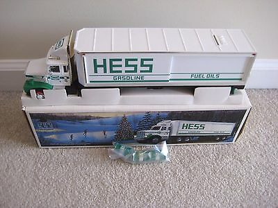 Hess 1987 Toy Truck Bank New In Box Never Used