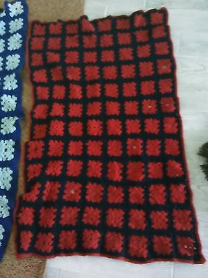Lot of two Vintage crochet knit flowers throw  blanket rug