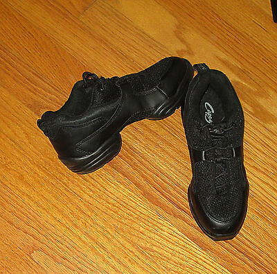 Capezio Womens Dance Sneaker Shoes Size 7M Black Split Sole Lace Up