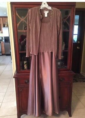 David's Bridal 2 Piece Taupe Mother Of The Bride Dress. Size 12. Preowned.