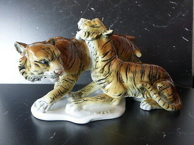 Superbe couple de tigres en porcelaine Ens Thuringen