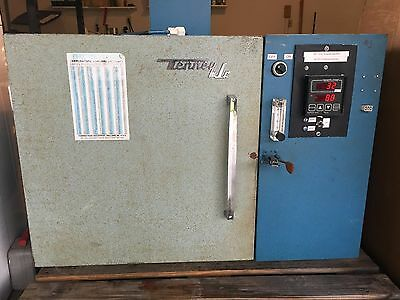 Tenney Jr Environmental Chamber with Watlow 945 Controller