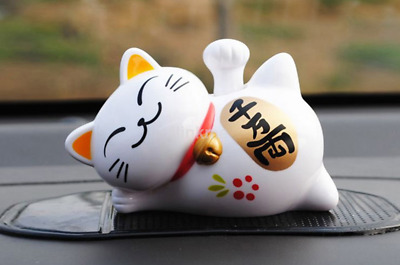 Hot Japanese Beckoning Fortune Cat Solar Power Car Lucky Cat Car Decor CA