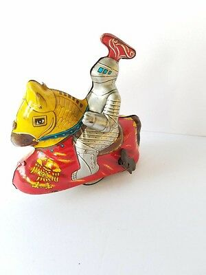 VINTAGE 1950's JAPAN HAJI MEDIEVAL KNIGHT  TIN WIND UP