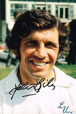 JOHNNY GILES 1972 HAND SIGNED  6 x 4 inch PHOTO COA LEEDS UNITED AUTOGRAPH 2