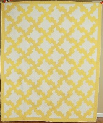 Lg. WELL QUILTED Vintage Yellow & White Drunkard's Path Antique Quilt ~BEAUTIFUL