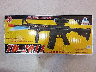 Battery Electric Toy Gun TD2011 M4A1 With Light And Sound Plastic