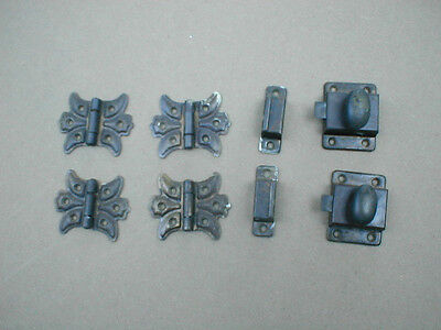 2 Sets Of Cabinet Door Hinges And Clasps