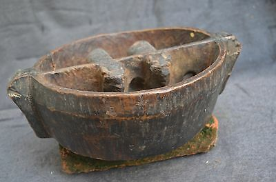 Interesting Pre Columbian Inca Spanish colonial wood bowl with 2 animals