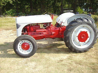 Ford 2N Utility Tractor