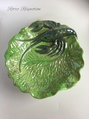 VINTAGE Wembley Ware Green Marron Plate - Large