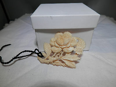 Antique carved i rose leaves plaque pendant, poss Chinese