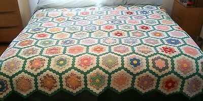 "VINTAGE EARLY 1900s GRANDMOTHERS GARDEN HAND SEWN QUILT 76"" x 70"" Immaculate!"