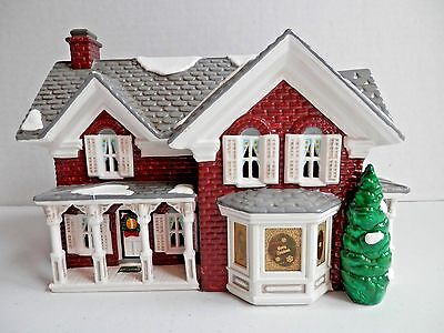 Department 56 Snow Village FARMHOUSE 54912 hand painted ceramic from 1997