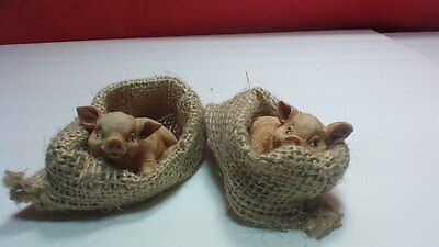 A PAIR 2 PIGS IN BURLAP BLANKET BED RESIN cute resting collectable farm animals