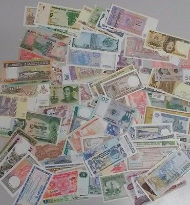 World Banknotes - Bulk Lot of 110 World Notes Mostly Uncirculated Notes Set # 14