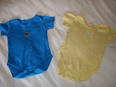 2x short-sleeved cotton vests / tops age months 6-12 months (robot)