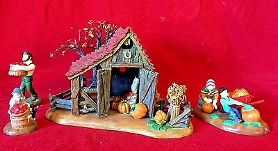 It's Almost Thanksgiving Dept 56 New England Village 56639 retired Christmas