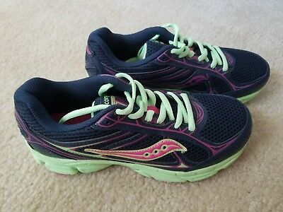 Brand new Girls Saucony tennis shoes size 4