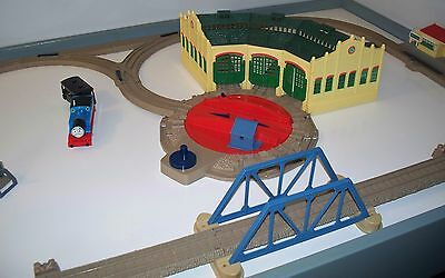 TIDMOUTH SHEDS with Track Layout -Thomas Train TRACKMASTER