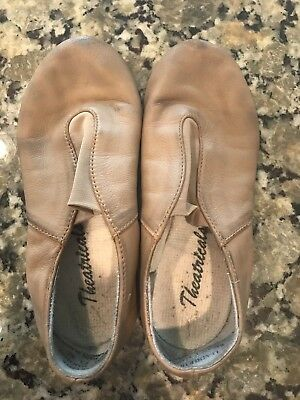 Theatricals Tan Dance Shoes, Size 4