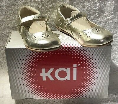 See Kai Run Girls Shoe - Ginger In Gold Leather   Reg $62.00 Now $37.99!!!