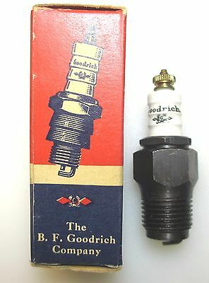 "NOS 1/2"" NPT Goodrich Spark Plug  with Box Pipe Take-a-Part Hit-& -Miss"