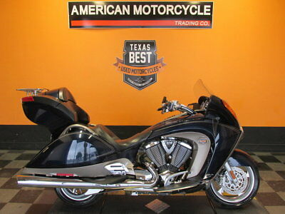 Victory Vision  2010 Victory Vision Tour Premium Cruise Control Electric Windshield