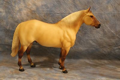Breyer  Sr 701799 Aqha Hollywood Gold ( Adios Mold) Only 2500 Made~ Gorgeous